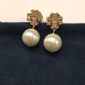 Beautiful Tory Burch  crystal and pearl earrings